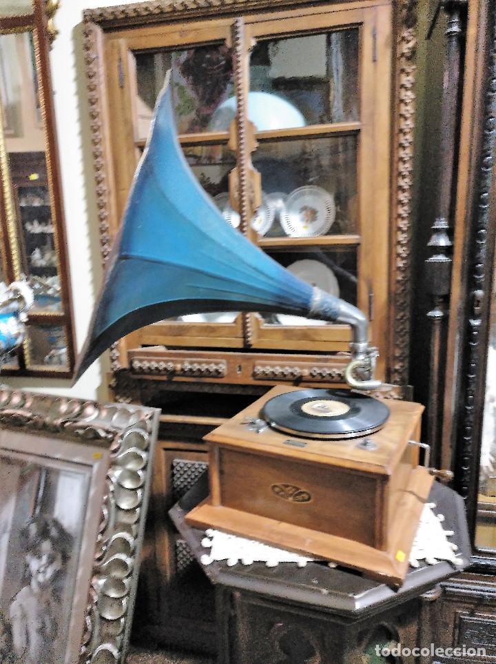 Gramófonos y gramolas: IMPRESIONANTE GRAMOLA DE SALON TROMPA AZUL PERFECTO FUNCIONAMIENTO - Foto 4 - 136213554