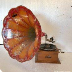 Gramófonos y gramolas: ANTIGUO GRAMOFONO HIS MASTERS VOICE. Lote 136627494