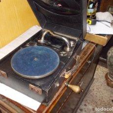 Gramófonos y gramolas: GRAMOFONO WEKEND FUNCIONANDO. Lote 136730122