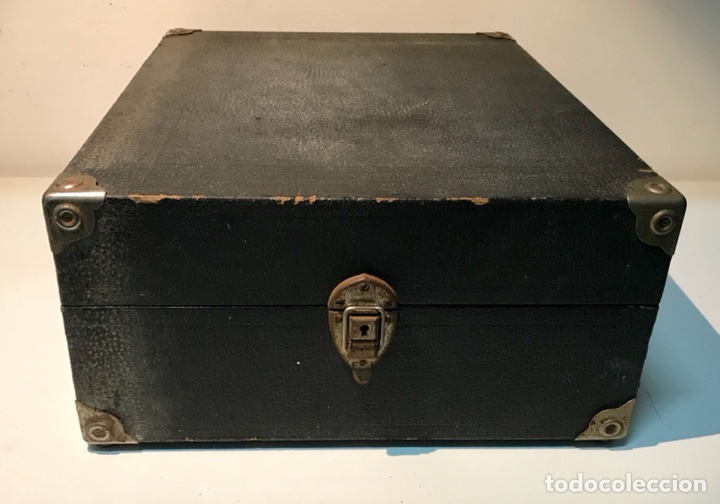 Gramófonos y gramolas: Gramófono gramola Elite, principios del siglo XX. Funciona. Gramola de maleta. - Foto 11 - 137298104