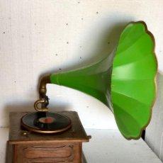 Gramófonos y gramolas: ANTIGUO GRAMOFONO THORENS. Lote 139212558