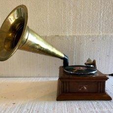 Gramófonos y gramolas: ANTIGUO GRAMOFONO HIS MASTER'S VOICE . Lote 139546634