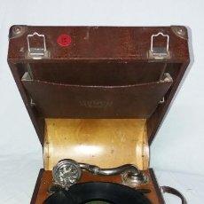 Gramófonos y gramolas: GRAMÓFONO PORTÁTIL MARCA KALO. Lote 140409030