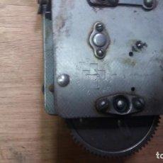 Gramófonos y gramolas: MOTOR DE GRAMÓFONO MARCA THORENS SWISS MADE. Lote 140647890