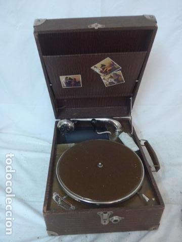 ANTIGUO GRAMOFONO PORTATIL ORIGINAL. FUNCIONA BIEN. (Radios, Gramófonos, Grabadoras y Otros - Gramófonos y Gramolas)