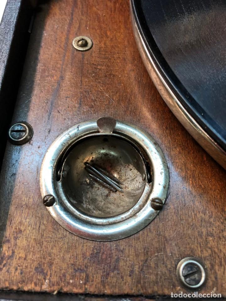 Gramófonos y gramolas: Gramófono EPL LE LUXE PHONIC de MALETA Principios s. XX FUNCIONA - Foto 9 - 143047762