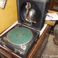 Gramófonos y gramolas: GRAMOLA DECCA FUNCIONANDO. Lote 143165382