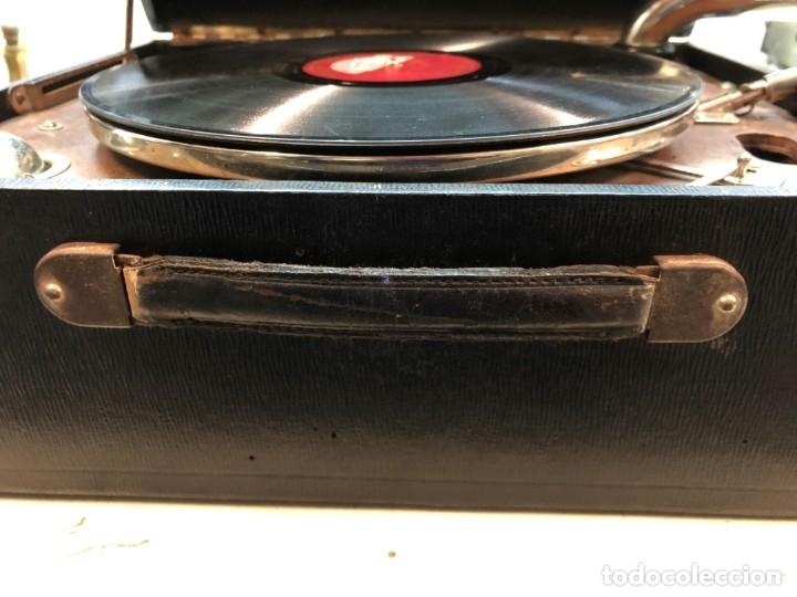 Gramófonos y gramolas: Gramófono EPL LE LUXE PHONIC de MALETA Principios s. XX FUNCIONA - Foto 24 - 143047762
