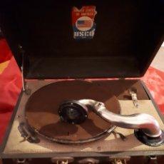 Gramófonos y gramolas: ANTIGUO GRAMOFONO DE MALETA. Lote 143884210