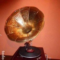 Gramófonos y gramolas: GRAMOFONO O GRAMOLA FUNCIONADO HIS MASTER´S VOICE (LA VOZ DE SU AMO). Lote 194875883
