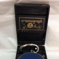 Gramófonos y gramolas: ANTIGUO GRAMÓFONO DE MALETA ARMONOGRAPH BABY ,IDEAL COLECCIONISTAS. Lote 146102234