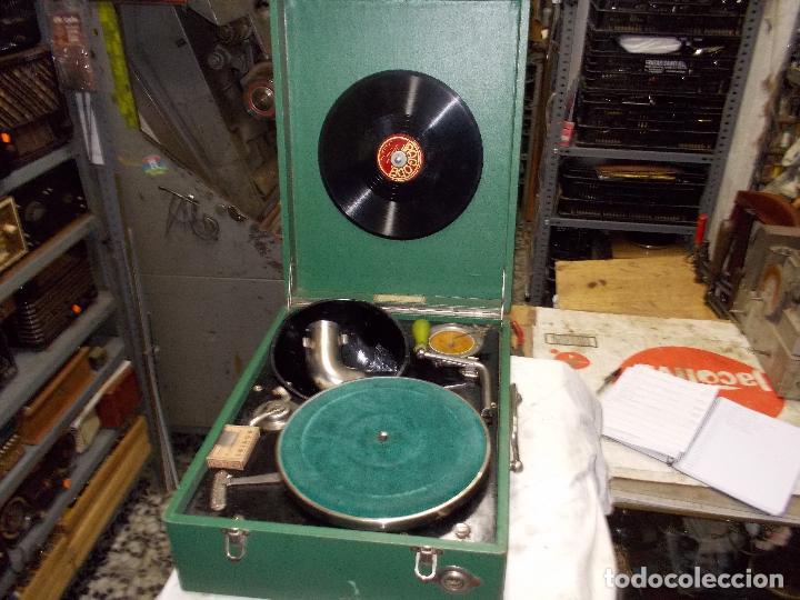 GRAMOLA SALABERT FUNCIONANDO (Radios, Gramófonos, Grabadoras y Otros - Gramófonos y Gramolas)