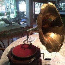 Gramófonos y gramolas: GRAMÓFONO. Lote 147080678