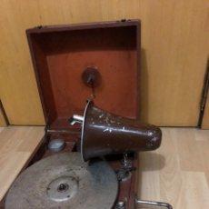 Gramófonos y gramolas: PEQUEÑA GRAMOLA PLEGABLE ECOPHONE AMPLIFONO CON BOCINA.FUNCIONA. Lote 149395756