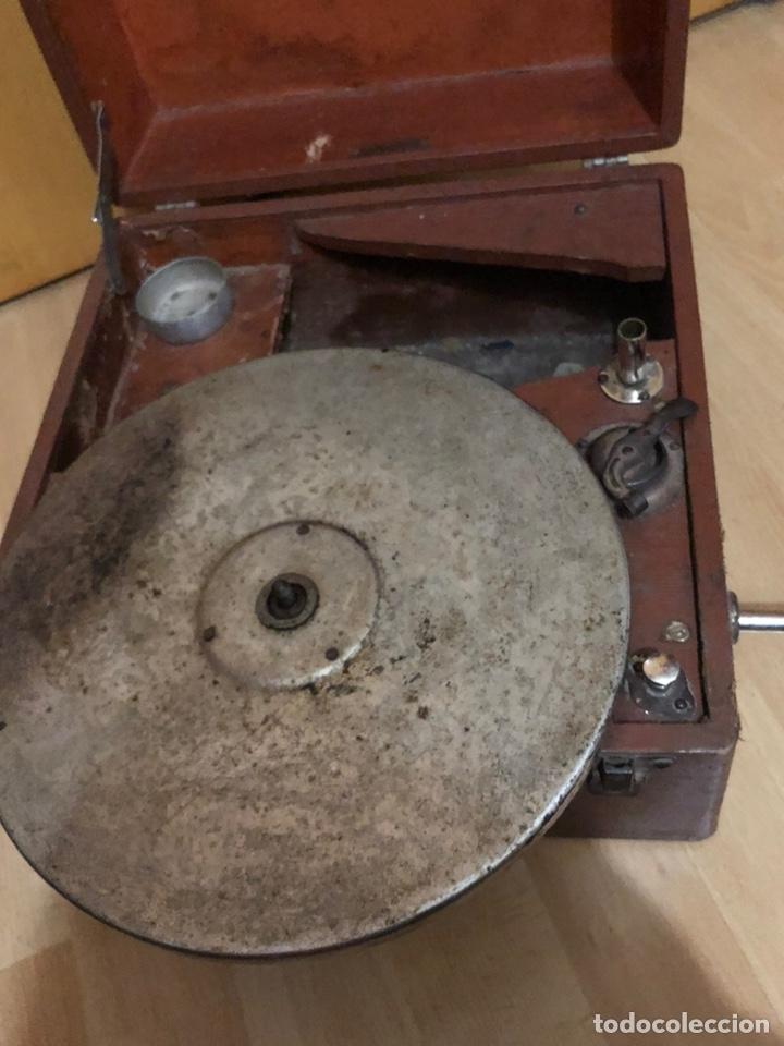 Gramófonos y gramolas: Pequeña Gramola plegable ecophone amplifono con bocina.funciona - Foto 13 - 149395756