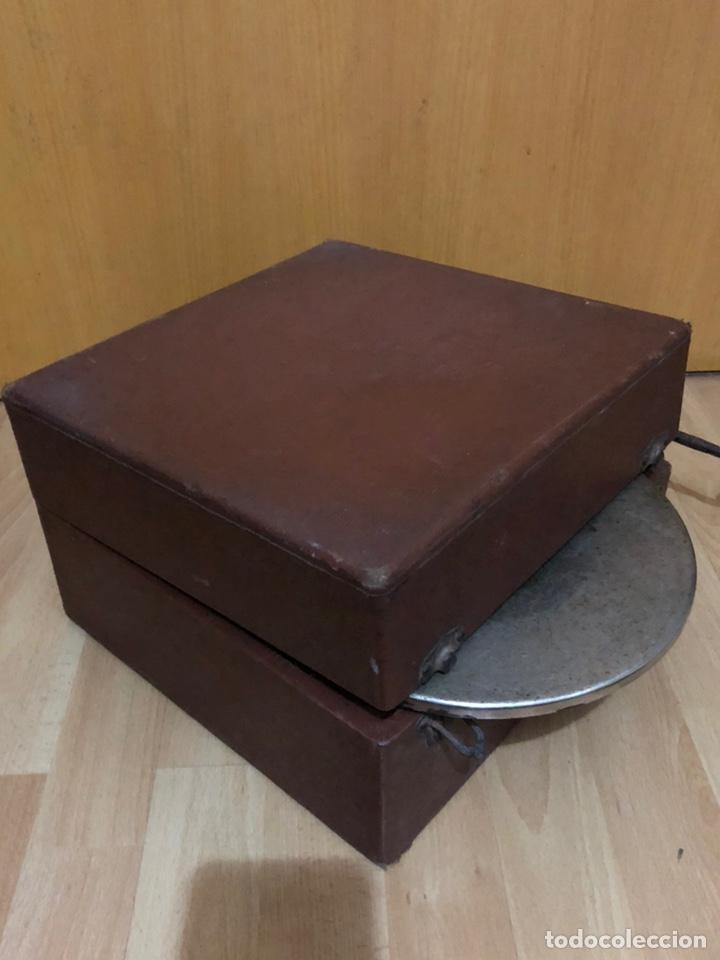 Gramófonos y gramolas: Pequeña Gramola plegable ecophone amplifono con bocina.funciona - Foto 16 - 149395756