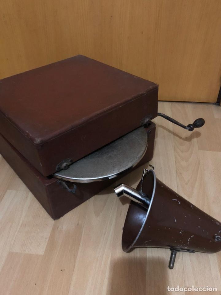 Gramófonos y gramolas: Pequeña Gramola plegable ecophone amplifono con bocina.funciona - Foto 17 - 149395756