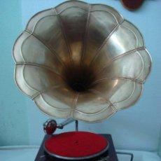 Gramófonos y gramolas: GRAMOFONO . Lote 149398018