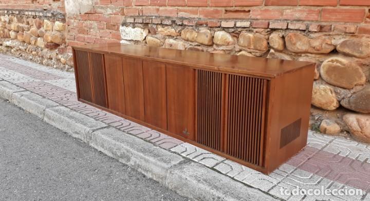 Gramófonos y gramolas: Mueble tocadiscos antiguo Grundig. Aparador antiguo tocadiscos, magnetofono antiguo, radio antigua. - Foto 4 - 150284458