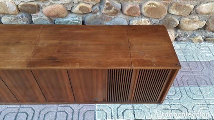 Gramófonos y gramolas: Mueble tocadiscos antiguo Grundig. Aparador antiguo tocadiscos, magnetofono antiguo, radio antigua. - Foto 9 - 150284458