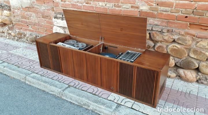 Gramófonos y gramolas: Mueble tocadiscos antiguo Grundig. Aparador antiguo tocadiscos, magnetofono antiguo, radio antigua. - Foto 11 - 150284458