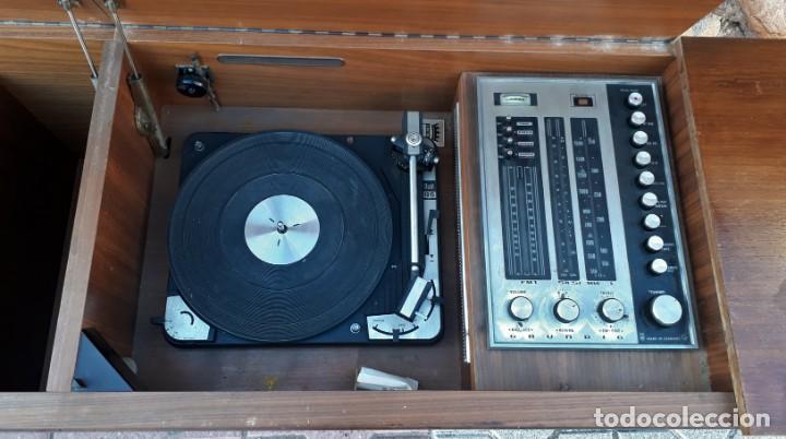 Gramófonos y gramolas: Mueble tocadiscos antiguo Grundig. Aparador antiguo tocadiscos, magnetofono antiguo, radio antigua. - Foto 14 - 150284458