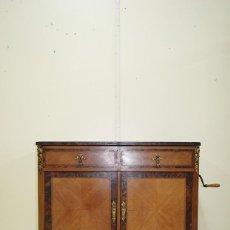 Gramófonos y gramolas: MUEBLE ANTIGUO GRAMÓFONO GRAMOLA FUNCIONANDO. Lote 152178302