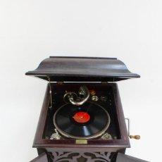 Gramófonos y gramolas: GRAMOLA ARMONIC SALON LUCARDA .PRINCIPIOS DE SIGLO XX.. Lote 152737242