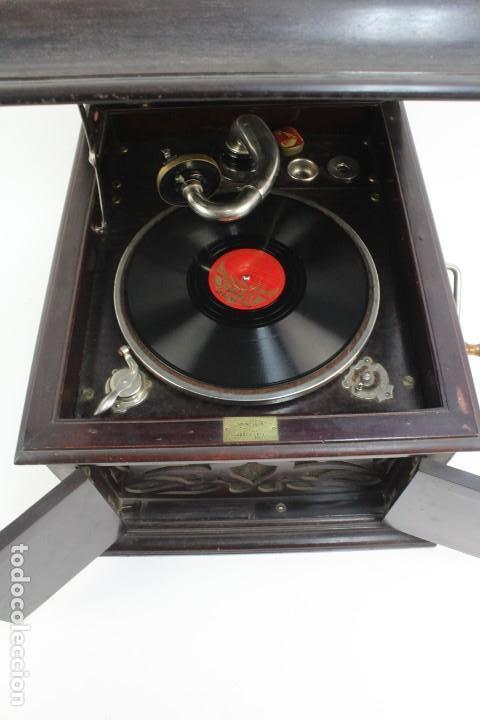 Gramófonos y gramolas: GRAMOLA ARMONIC SALON LUCARDA .PRINCIPIOS DE SIGLO XX. - Foto 2 - 152737242