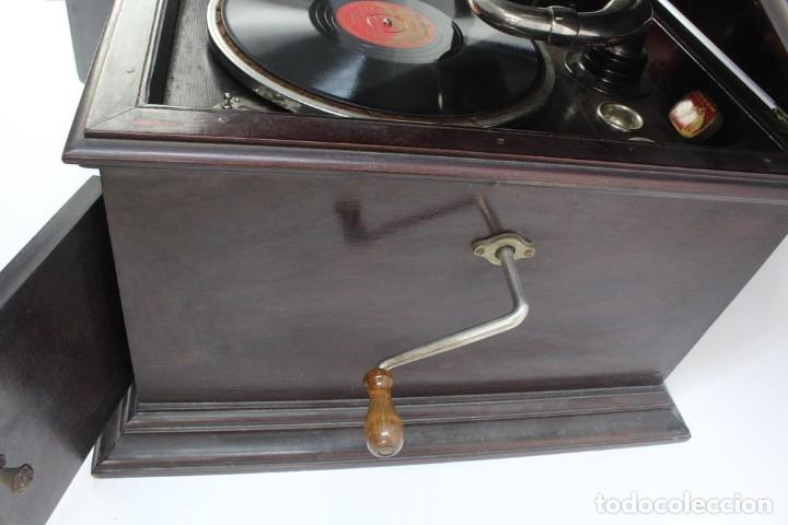 Gramófonos y gramolas: GRAMOLA ARMONIC SALON LUCARDA .PRINCIPIOS DE SIGLO XX. - Foto 9 - 152737242