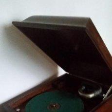 Gramófonos y gramolas: VITROLA VICTOR. PRINCIPIOS DE SIGLO XX. PARA DECORACION .ADMITO OFERTAS.. Lote 153187054