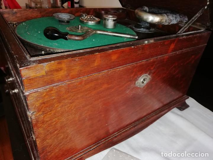 Gramófonos y gramolas: VITROLA VICTOR. PRINCIPIOS DE SIGLO XX. PARA DECORACION .ADMITO OFERTAS. - Foto 7 - 153187054