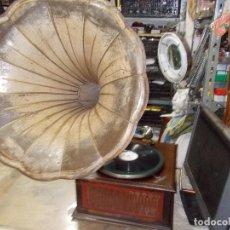Gramófonos y gramolas: GRAMOLA PATHE NOCHE Y DIA FUNCIONANDO. Lote 153705726