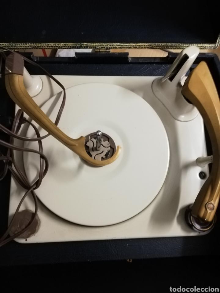Gramófonos y gramolas: Tocadiscos maleta Motorola. Grande. No funciona.ver últimas fotos. - Foto 9 - 135657070
