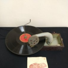 Grammofoni e gramolas: GRAMÓFONO TOCADISCO PORTATIL NIKITO FONOBILINGUE CURSOS CCC AÑOS 30/40. Lote 154572945