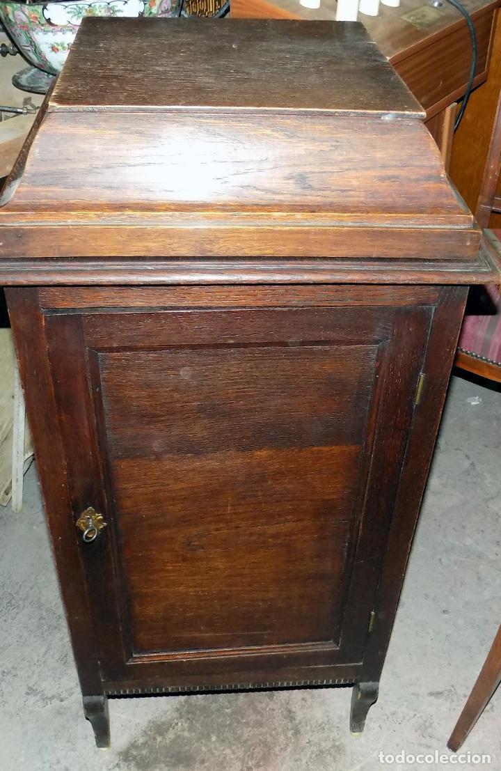 Gramófonos y gramolas: gramofono mueble, funciona, buen estado general, regalo diez discos de pizarra - Foto 2 - 154637738
