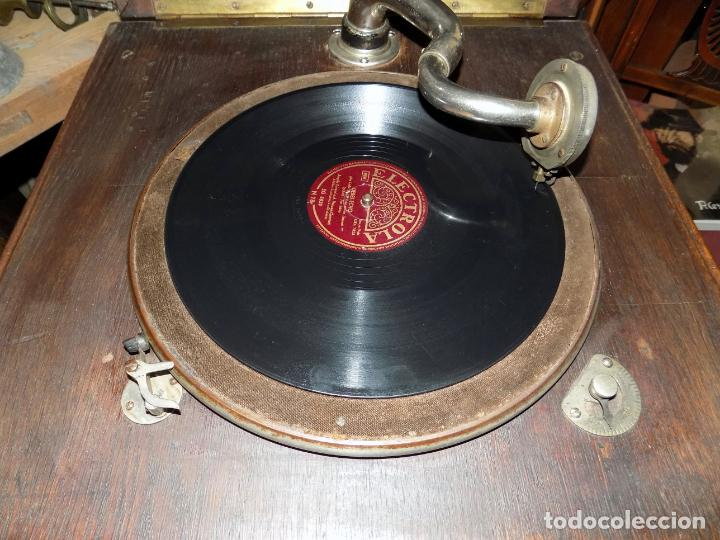Gramófonos y gramolas: gramofono mueble, funciona, buen estado general, regalo diez discos de pizarra - Foto 5 - 154637738