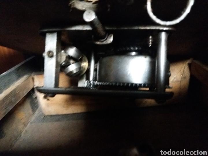 Gramófonos y gramolas: Gramofono portatil VICTORIA con mecanismo thorens - Foto 8 - 108300006
