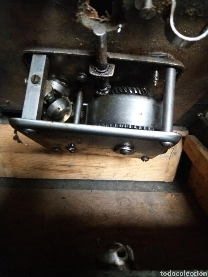 Gramófonos y gramolas: Gramofono portatil VICTORIA con mecanismo thorens - Foto 10 - 108300006