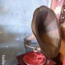 Gramófonos y gramolas: ANTIGUO GRAMOFONO O GRAMOLA, HIS MASTERS VOICE FUNCIONANDO.. Lote 158790518