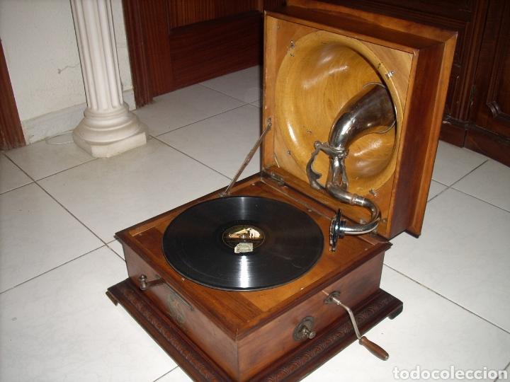 IMPRESIONANTE GRAMOLA ,RARA UNICA FUNCIONANDO MUY BIEN,AÑO 1910 (Radios, Gramófonos, Grabadoras y Otros - Gramófonos y Gramolas)