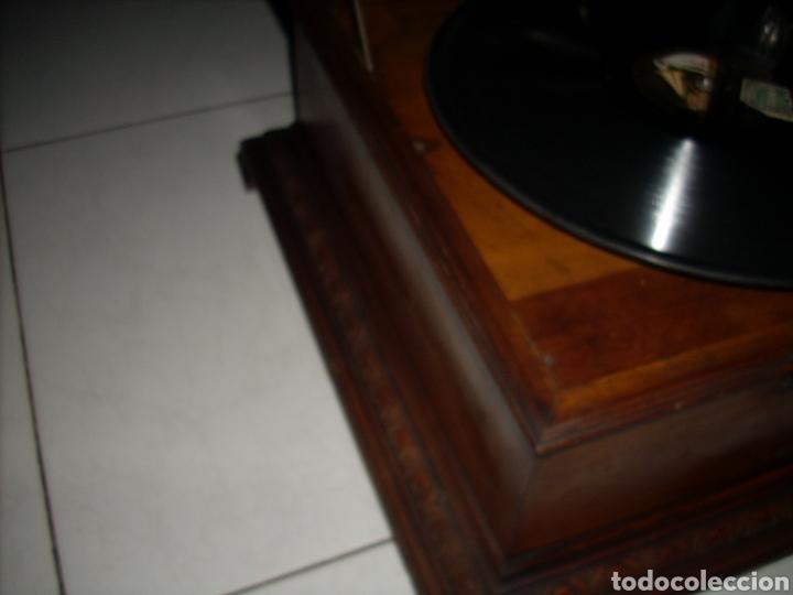 Gramófonos y gramolas: Impresionante Gramola ,rara unica funcionando muy bien,año 1910 - Foto 12 - 158917490