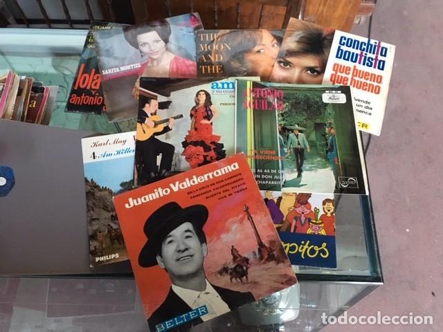 Gramófonos y gramolas: TOCADISCOS PORTÁTIL Y DISCOS - Foto 5 - 159568726