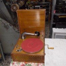 Gramófonos y gramolas: GRAMOLA FUNCIONANDO. Lote 159667362