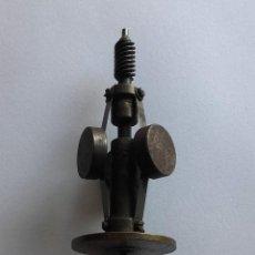 Gramófonos y gramolas: REPUESTO PARA MOTOR DE GRAMOFONO. Lote 162052822