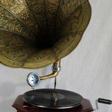 Gramófonos y gramolas: GRAMOFONO LA VOZ DE SU AMO HIS MASTER,S VOICE. Lote 175559353