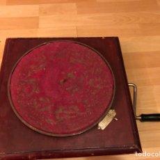 Gramofones e jukeboxes: MAQUINARIA O CUERDA DE GRAMÓFONO O GRAMOLA CON MANIVELA FUNCIONANDO. Lote 164850090