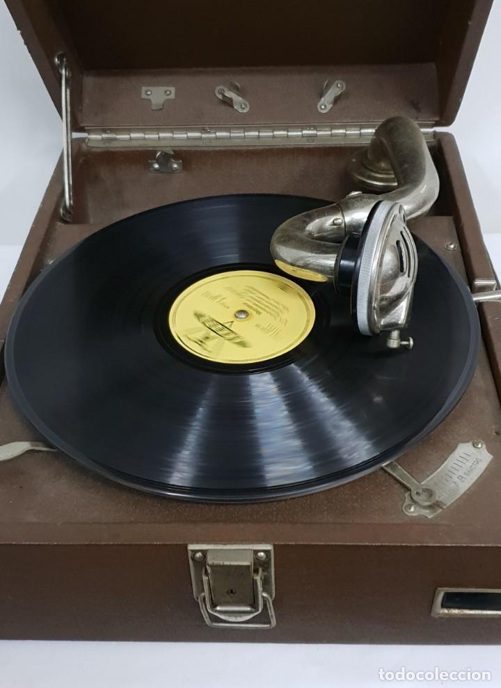 Gramófonos y gramolas: GRAMOLA soviética - Foto 3 - 165530726