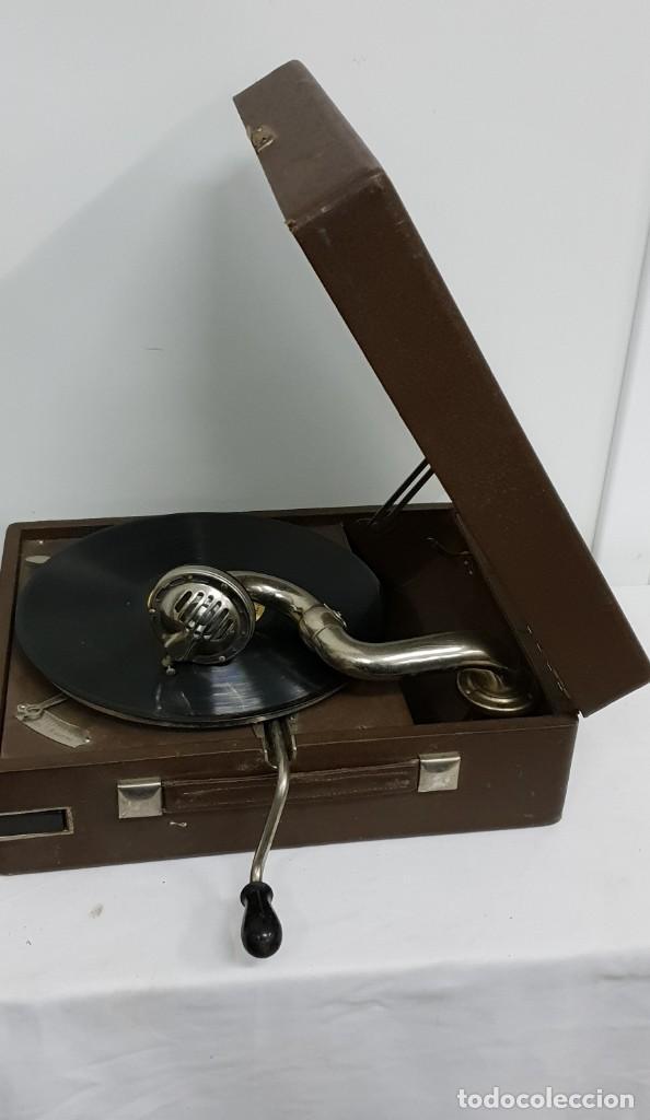 Gramófonos y gramolas: GRAMOLA soviética - Foto 5 - 165530726