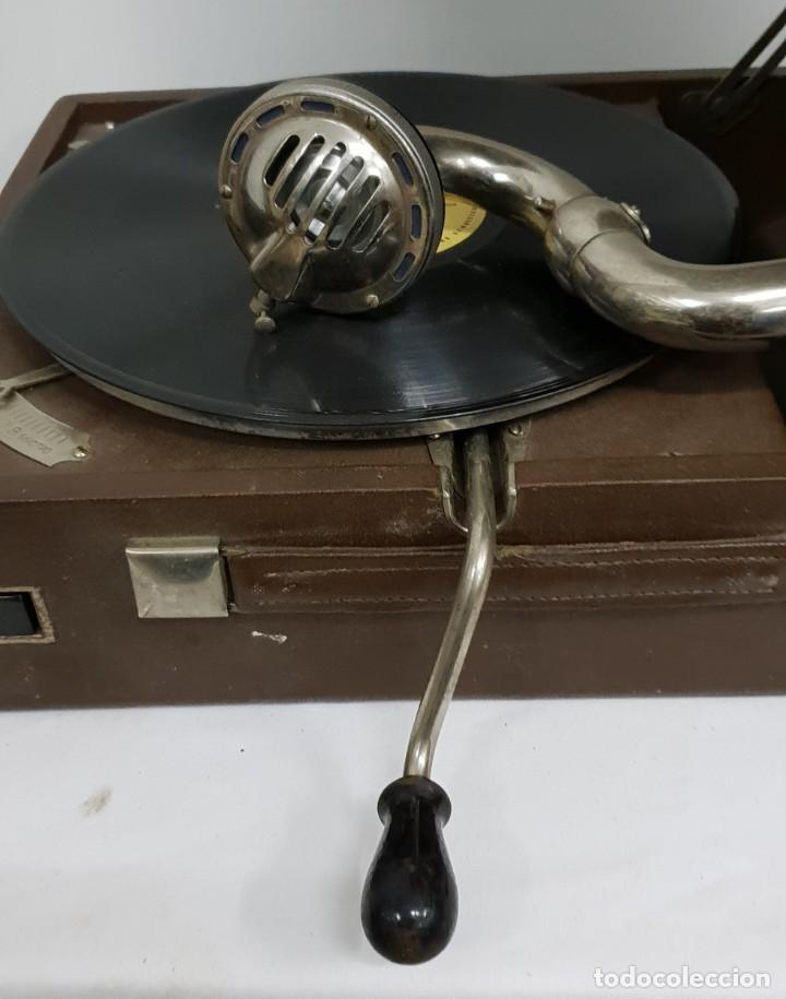 Gramófonos y gramolas: GRAMOLA soviética - Foto 6 - 165530726